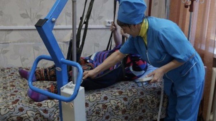 Реализация Плана мероприятий по развитию отделений милосердия стационарных учреждений социального обслуживания Иркутской области
